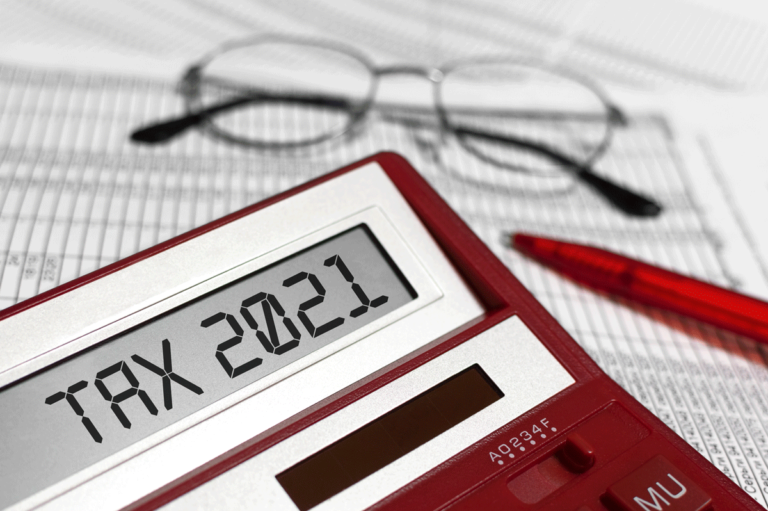 Calculator with TAX2021
